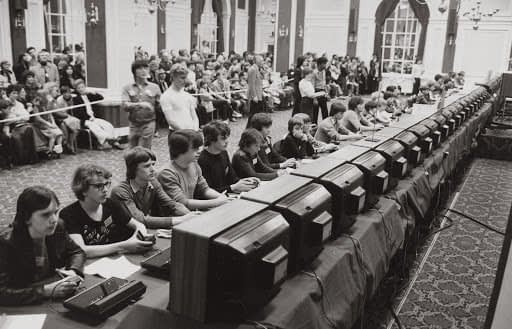 The first esports event, students organized a Spacewar contest. (Image: namraka)